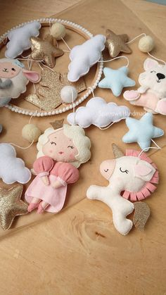 Baby girl felt mobile with princess unicorn bear lamb and cat Queen golden and blue stars mobile for newborn baby shower gift idea crib toy Baby Shower Quotes, Baby Shower Gifts, Baby Gifts, Star Mobile, Mobiles, Baby Mädchen Mobile, Pink Crib, Baby Nursery Decor, Nursery Crafts