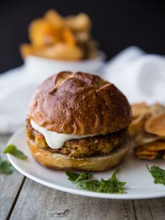 curried carrot chickpea chia burgers - i love veggie burgers! with a vegan dill lime cashew cream Burger Recipes, Vegetarian Recipes, Cooking Recipes, Healthy Recipes, Free Recipes, Cooking Stuff, Vegetarian Options, Chia Seed Recipes Easy, Flammkuchen Vegan