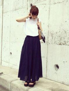 ari☆さんの「インド綿楊柳イージーマキシスカート S ネイビー」を使ったコーディネート