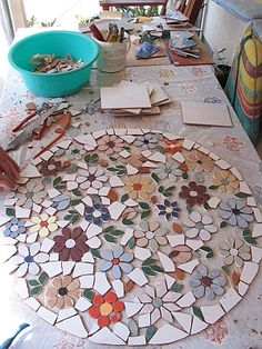 Picture result for mosaic wall make yourself Mosaic Garden Art, Mosaic Tile Art, Mosaic Flower Pots, Mosaic Artwork, Mosaic Crafts, Mosaic Projects, Stone Mosaic, Mosaic Glass, Mosaic Pots
