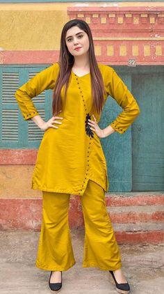 Stylish Dress Book, Stylish Dresses For Girls, Stylish Dress Designs, Beautiful Pakistani Dresses, Pakistani Dresses Casual, Pakistani Dress Design, Pakistani Fashion Party Wear, Indian Fashion Dresses, Simple Kurti Designs
