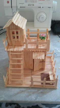 Crafts Made With Popsicle Sticks Crafts Made With Popsicle Stick. - Crafts Made With Popsicle Sticks Crafts Made With Popsicle Sticks - Popsicle Stick Crafts House, Popsicle Sticks, Craft Stick Crafts, Crafts To Make, Home Crafts, Easy Crafts, Crafts For Kids, Craft Ideas, Plate Crafts