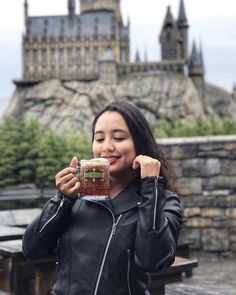 So sweet with this special beverage in Hogwarts never forget this taste!! #usj #hogwarts #wizardworld #harrypotter #osaka #osakajapan #travelblogger #travelblog #travelholic #travel #traveller #travelling #travelover #butterbeer #instagram #instadaily #instatravel #travelphotography #beverage #wizard #instagood #universalstudios        - Use code witblade at checkout for 10% off Wizard World 2018 tickets!