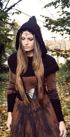 ~ handknit hood with capelet ~