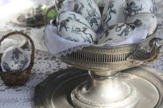 Antique metal platter decorated with a cotton serviette and blown Easter Eggs. By Iwona Mierowska, I.M. Decorations See more inspirations at: https://www.etsy.com/shop/IMDecorations  #Easter #Eastertide #easteregg #metalplatter #platter #house #interior #inspiration #houseinspiration #decor #decoration
