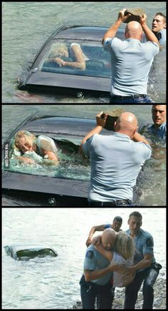 Police rescued woman out of a drowning car... - 9GAG