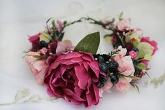 Burgundy Pink Peony Flower Crown was made inspired by Fall Nature. Thats why this Flower Halo combines deep burgundy and pink peonies with blueberries and green leafes. This Fall Head Wreath will be perfect Maternity Photo Prop or Bridal Crown. Size: Adjustable to fit all adults, tie back with a ribbon  ♥ READY to ship IN 5-7 DAYS after purchase. ♥  + Beautiful high-quality materials + 100% handmade + All items will be made to order special FOR YOU ---> All of them are unique + Your item…