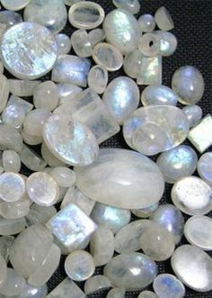 Moonstone is used by healers to stimulate the functioning of the pineal gland and balance internal hormone cycles with nature's rhythms. Moonstone is a stone of inner growth and strength. Though often considered to be a woman's stone, it can be beneficial to men in opening the emotional self #crystalcrazy