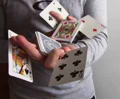 Do you want to make your family and friends fascinated by your enthralling magic trick performance? You could fulfill your wish by acquiring easy card magic tricks. As magic tricks are the most enticing skill that people dream to How To Do Magic, Learn Magic Tricks, Easy Magic, Online Casino Games, Online Gambling, Top Imagem, Close Up Magic, Sleight Of Hand, Skins Uk