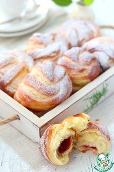 Булочки с вишневым джемом – кулинарный рецепт Bread, Recipes, Food, Breads, Baking, Meals, Yemek, Recipies, Eten