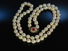 Barocker Schimmer! Zucht Perlen Kette um 1920 Gold 585 Rubin Diamanten, Antique pearl necklace diamonds and ruby, edler Perlenschmuck bei die Halsbandaffaire