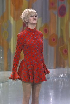 Goldie Hawn on Laugh In - goldie-hawn Photo (but where are her pants? :)