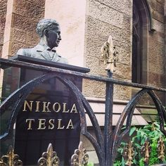 A monument to Nikola Tesla in NYC. (the bust in St. Tesla Power, Tesla S, Eleanor Roosevelt, Nikola Tesla, Friedrich Nietzsche, Mahatma Gandhi, Maya Angelou, Einstein, George Westinghouse