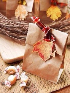 gift decoration with leaves, autumn crafts