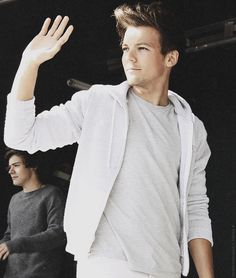 lou looking really hot!