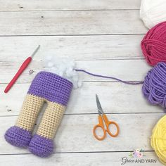 Berry Patch Bunny Boy Version - A Free Amigurumi Pattern - Grace and Yarn Crochet Horse, Crochet Bee, Crochet Bunny, Thread Crochet, Crochet Yarn, Free Crochet, Easy Crochet, Crochet Hair Clips, Double Crochet Decrease