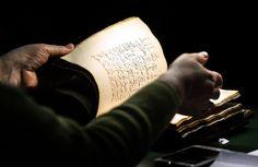 Переводчики впервые перевели Библию на сорани, один из курдских языков, и теперь Писание станет доступным для шести миллионов жителей Северного Ирака, являющихся этническим меньшинством в стране, сообщает 316NEWS со ссылкой на invictory.com. Работа над переводом Библии на язык сорани заняла 28 лет.