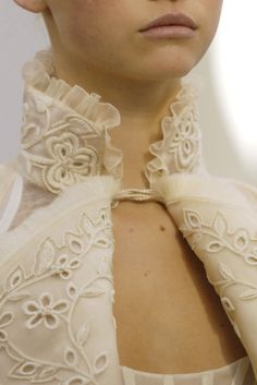 Interesting twist on a mandarin collar