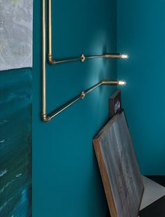 Be creative with Sistema Canaline by Il Fanale Craftsmanship and customization are embodied in Sistema Canaline: this lighting system, available both in brass and antiqued brass, thanks to its modularity allows plenty of lighting solutions. Lighting System, Lighting Solutions, Antique Brass, Lamps, Wall Lights, Antiques, Creative, Interior, Home Decor