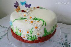 zapovedala som sa, že poťahovú tortu už robiť nebudem, ale ako sa hovorí - nikdy  nehovor nikdy - a tak som našej krásnej vnučke Julinke upiekla k jej prvému rôčku takúto  poťahovú tortu :)