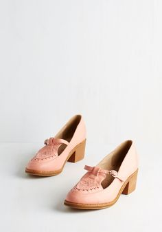 Retro 'Em What You Got Heel. Show off your vintage-inspired aesthetic with a stylish strut in these petal-pink heels by Spanish brand Kling! #pink #modcloth