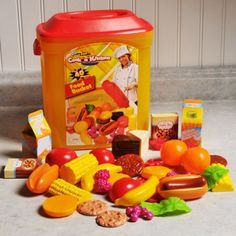 Cook N' Kitchen Gourmet Food Bucket 40-Piece Play Set Image 3 of 3