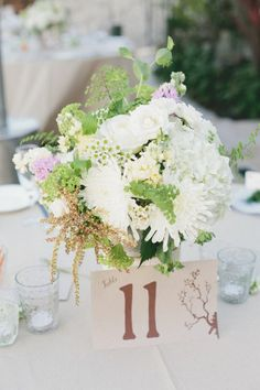 Style Me Pretty | GALLERY & INSPIRATION | CATEGORY: DECOR | PHOTO: 1155017