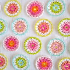 Color 'n Cream: lovely crochet / love the colours