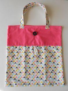 Sac pliable en tissu triangles et rose : Autres sacs par chatbleu