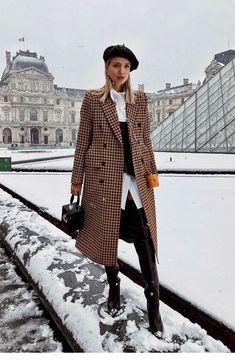 Pin by Gospodarstworolnebilinski on Stylizacje Casual Fall Outfits, Winter Fashion Outfits, Fall Winter Outfits, Look Fashion, Stylish Outfits, Autumn Winter Fashion, Plaid Fashion, Timeless Fashion, Girl Fashion