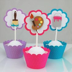 Art Party Foods, Art Party Cakes, Holiday Cupcakes, Cupcake Party, Cupcake Picks, Cupcake Toppers, Artist Birthday, Large Cupcake, How To Make Cupcakes