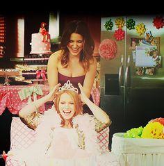 Sophia Bush (Brooke Davis-Baker) & Bethany Joy Lenz (Haley James-Scott) - One Tree Hill