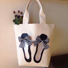 - 👜 Mach es mit 💪🙅 Kunst ist nicht improvisiert, ges… 👜 Do it with 💪🙅 Art is not improvised, flattered …, - Sacs Design, Painted Bags, Diy Tote Bag, Jute Bags, Patchwork Bags, Denim Bag, Fabric Bags, Reusable Bags, Cotton Bag