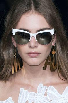 7b914ac681f Spring Summer 2016 Eyewear Trends  flashy sunglasses (The Blonde Salad)