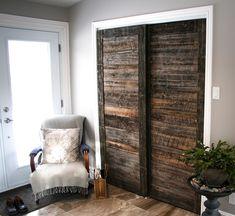 Sliding barn doors Porte de garde robe en bois de grange