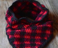 crochetplaidtrianglecowl2wm