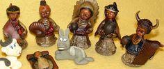 Presépios Internacionais  : Presépio feito com bolas de eucalipto - Peru.