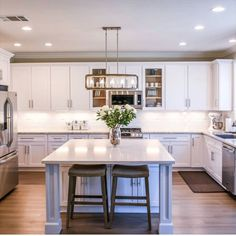 Home Design, New Kitchen, Kitchen Decor, Basic Kitchen, Kitchen Islands, Updated Kitchen, Stroud Homes, Home Interior, Interior Design