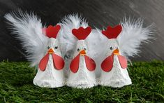 Kippen van een eierdoos maken - Homemade by Joke Christmas Sweets, Christmas Crafts, Christmas Ornaments, Diy Home Crafts, Crafts For Kids, Farm Theme, Easter Crafts, Kids And Parenting, True Love
