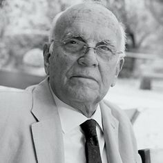 Miguel Milá has come to be a classic figure in design. In he was acknowledged with the Premio Nacional de Diseño and in 2008 he has received the Compasso d'Oro in recognition of his career history and his contribution to the promotion of Spanish design. Spanish Design, Design Awards, Industrial Design, Contemporary Design, Designers, Classic, Santa, Faces, Portraits