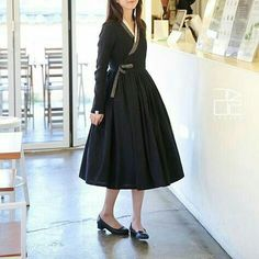 Hanbok by Leesle Korean Traditional Clothes, Traditional Fashion, Traditional Dresses, Korea Fashion, Asian Fashion, Korea Dress, Modern Hanbok, Dress Outfits, Fashion Outfits
