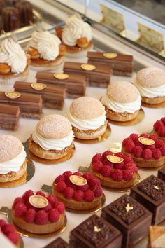 Macarons and Much More at French Patisserie Ladurée's New Dublin Store Elegant Desserts, French Desserts, Beautiful Desserts, Cute Desserts, Delicious Desserts, Dessert Recipes, Yummy Food, Gourmet Desserts, French Patisserie