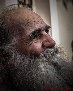 """""""Mi piace"""": 30, commenti: 7 - Saverio Oliva (@saverio.oliva) su Instagram: """"#sguardi #anziano #lavoroduro #rispetto #umiltà #famiglia #desideri #bar #barba #barbas #beard…"""""""