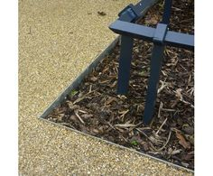 EverEdge steel edging can be set into resin bonded surfaces to create a perfectly neat edge