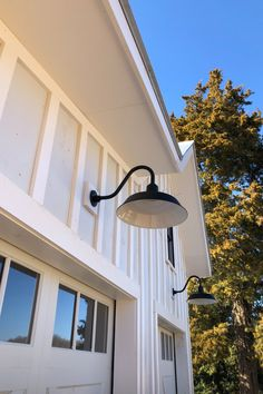 Photo courtesy of @springofmint Garage Lighting, Porch Lighting, Barn Lighting, Outdoor Lighting, Exterior Barn Lights, Exterior Lighting, Outside Garage Lights, Barn Light Electric, Modern Farmhouse Lighting