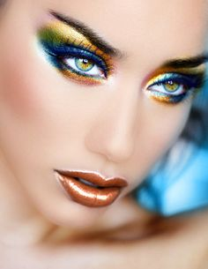 You could rock this look with any of the colours in eye make up! Makeup Hacks, Makeup Tips, Hair Makeup, Makeup Ideas, Makeup Inspo, Makeup Lipstick, Make Up Looks, Eye Makeup Glitter, Metallic Makeup
