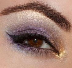Purple with a hint of gold in the inner corner. Love this for brown eyes! Pageant Hair And Makeup, Hair Makeup, Eyeshadow Makeup, Makeup Cosmetics, Beauty Skin, Beauty Makeup, Hair Beauty, Beauty Tips And Secrets, Beauty Hacks