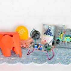 Produtos á venda no site @Mimoo Toys´n Dolls! Foto: Sidney Doll Produção: Fernanda Emmerick Realização: @Mix Conteúdo Produtos: #mimootoysndolls #lorenacanals #lorenacanalsrugs #ricedk #charleseames #eameskids #Parangoléfestas