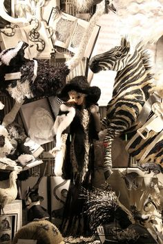 12.-bergdorf-holiday-windows-2011-habituallychic.jpg (683×1024)