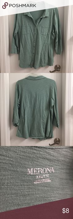 """Merona collared casual blouse Beautiful 3/4 sleeve collared mint top, only worn once because it was too large on me but I just loved the color too much to not buy it (they were out of M and L 😭) and I really was hoping it would shrink but no dice. It's in great condition, could be ironed for a more polished look. I still have the plum one in size M and love it, so if this is your size I know you'll love it, too. Measures 21"""" pit to pit and 24.5"""" shoulder to hem. From a smoke-free home…"""